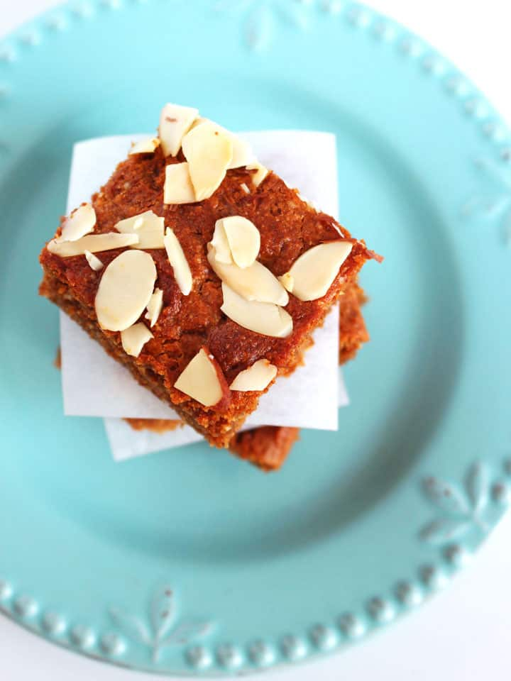 Honey Peanut Butter Almond Bars. Simple flour-less snack bars made with creamy natural peanut butter, almond meal and sweet honey.