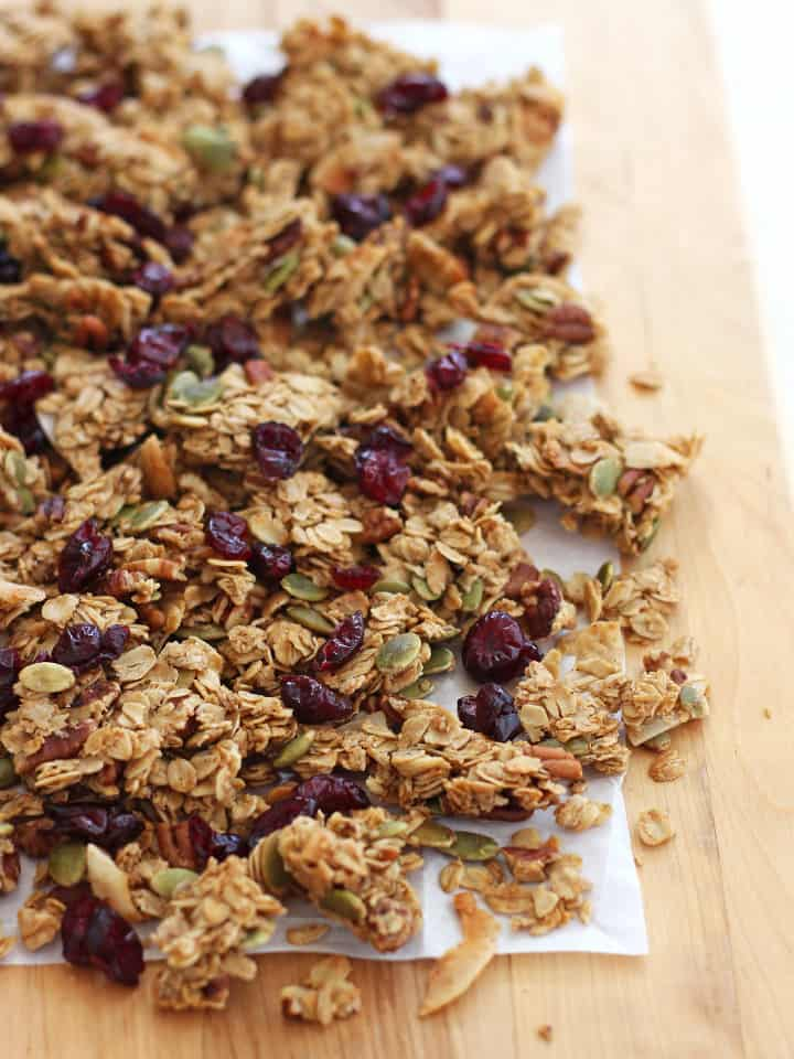 Pile of clumpy granola clusters.